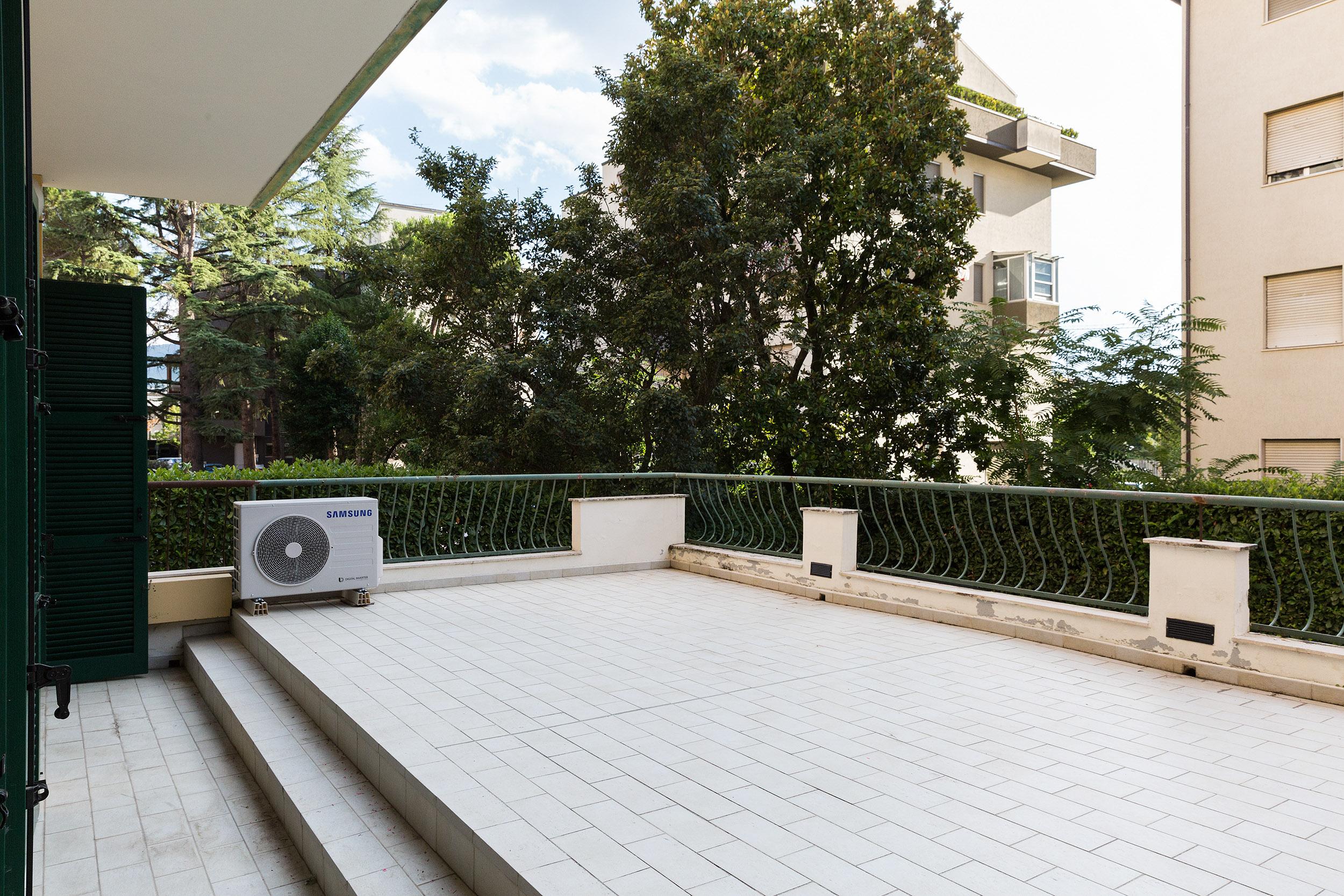 appartamento in vendita ad Arezzo viale Mecenate (36)