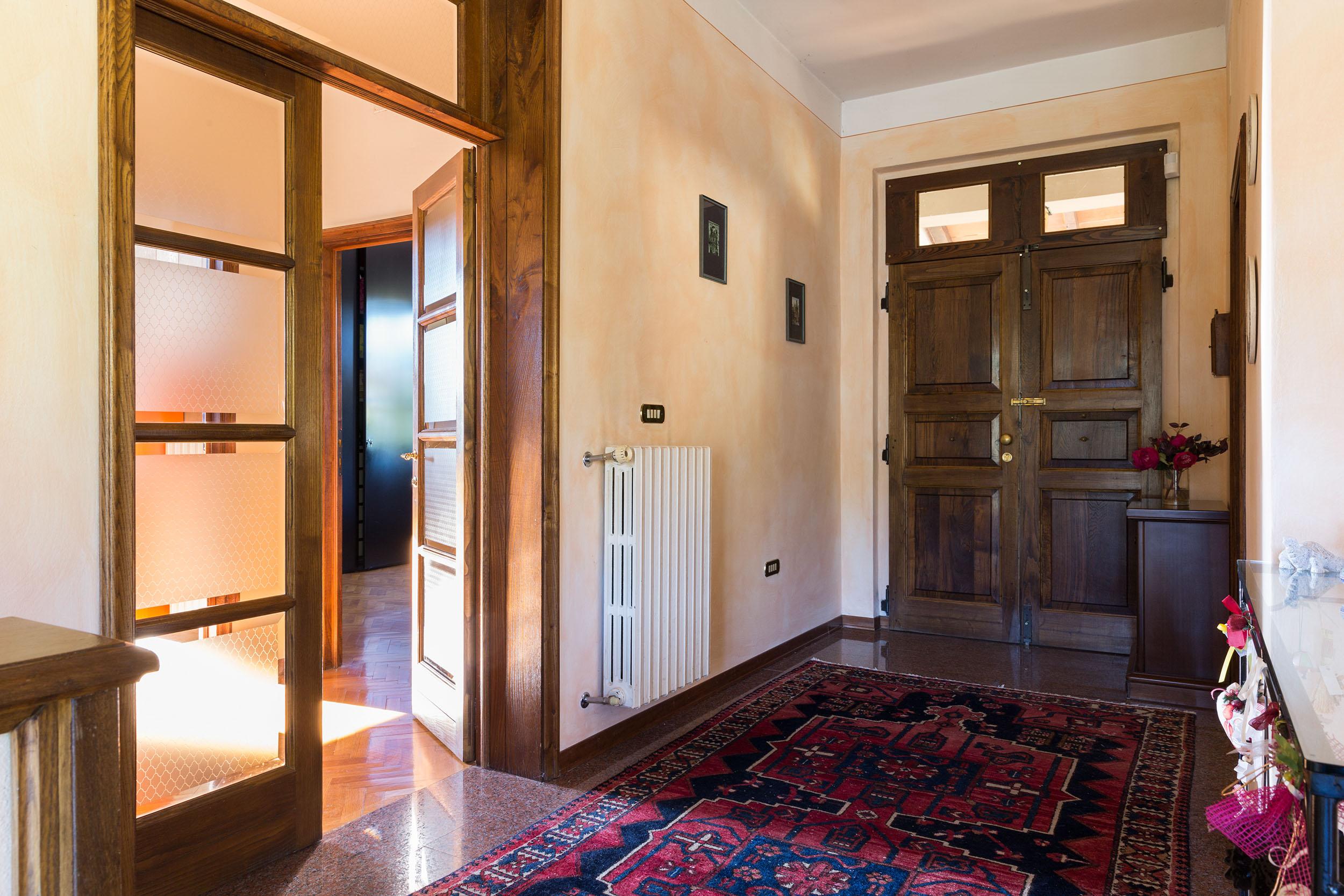 arezzo-vendesi-villa (11)