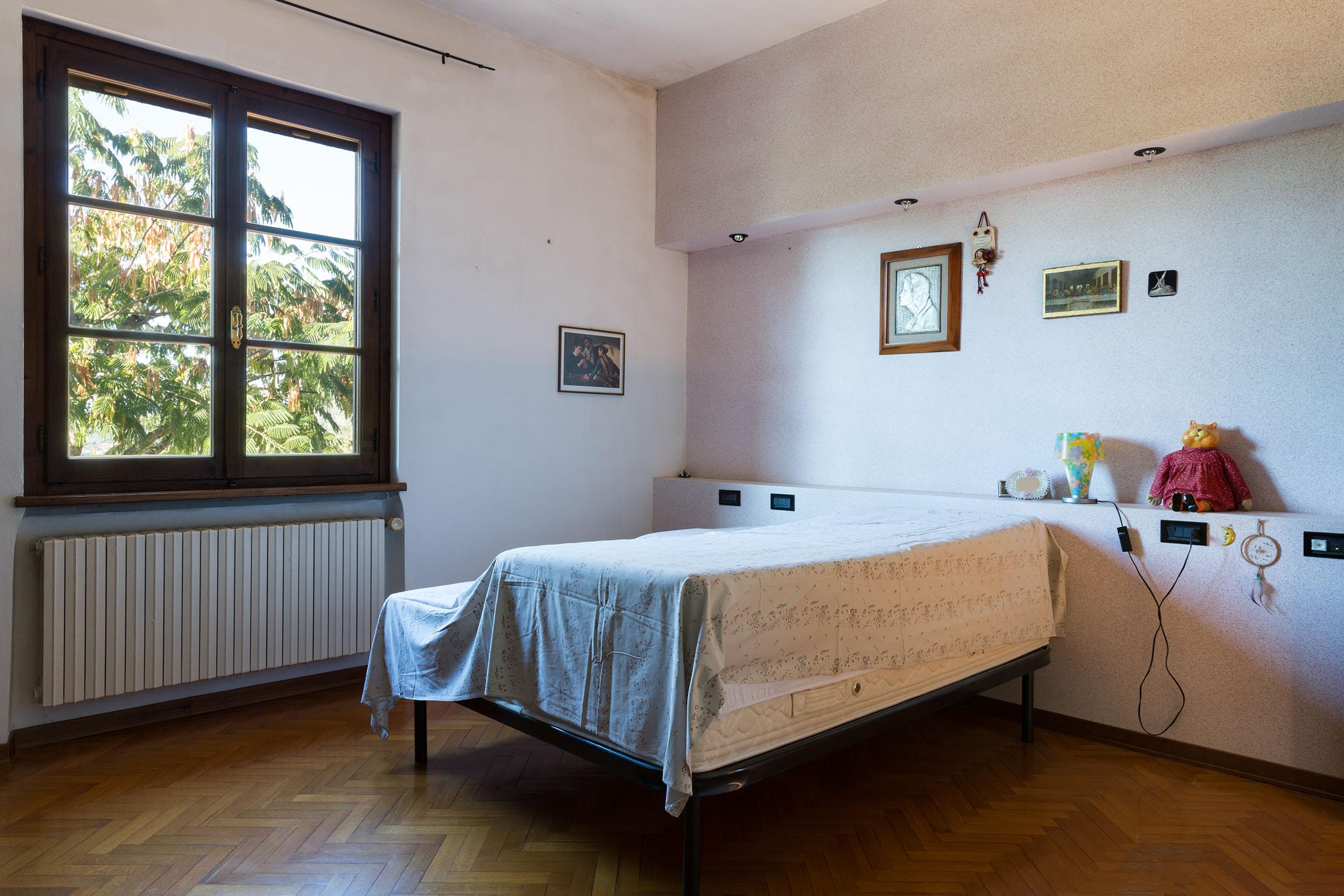 arezzo-vendesi-villa (13)