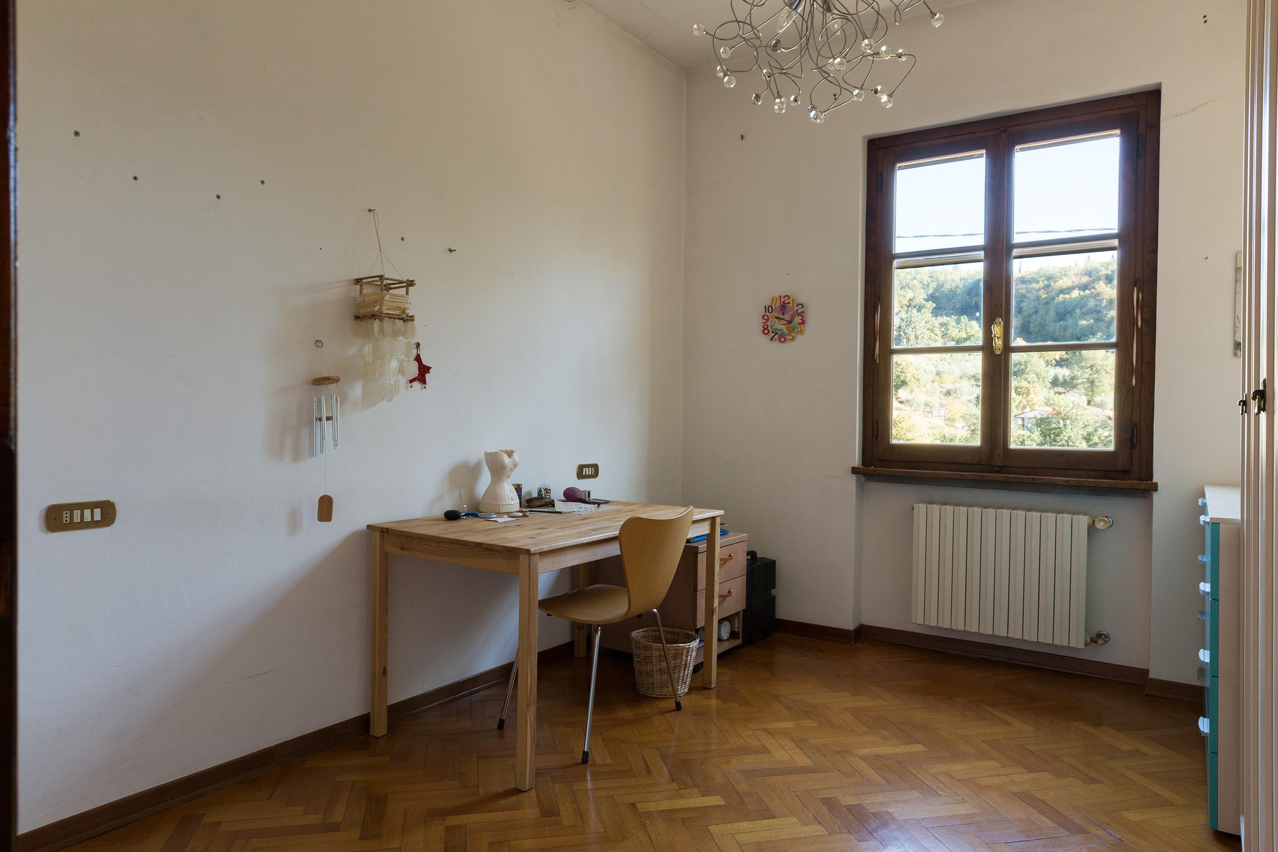 arezzo-vendesi-villa (20)
