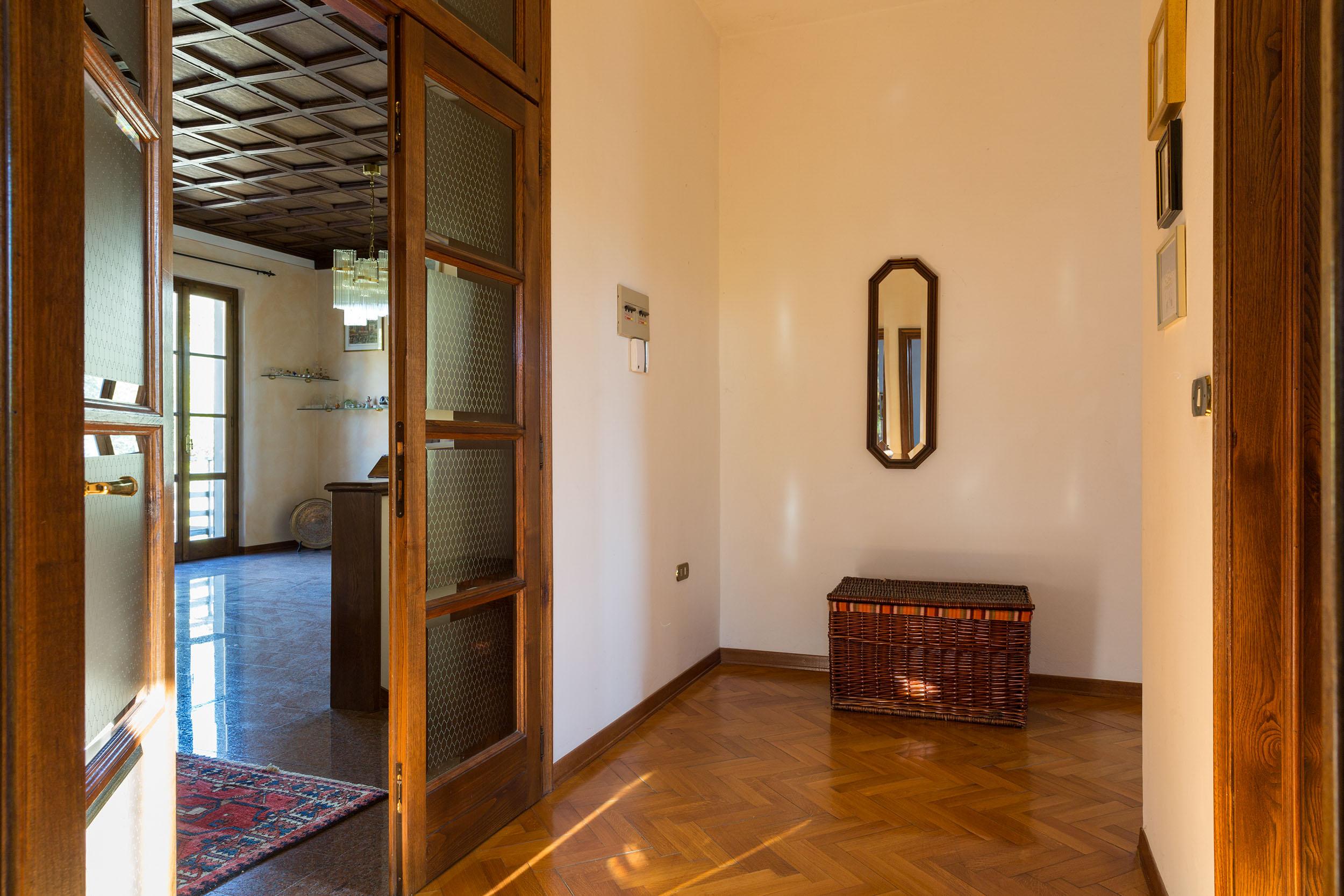 arezzo-vendesi-villa (25)