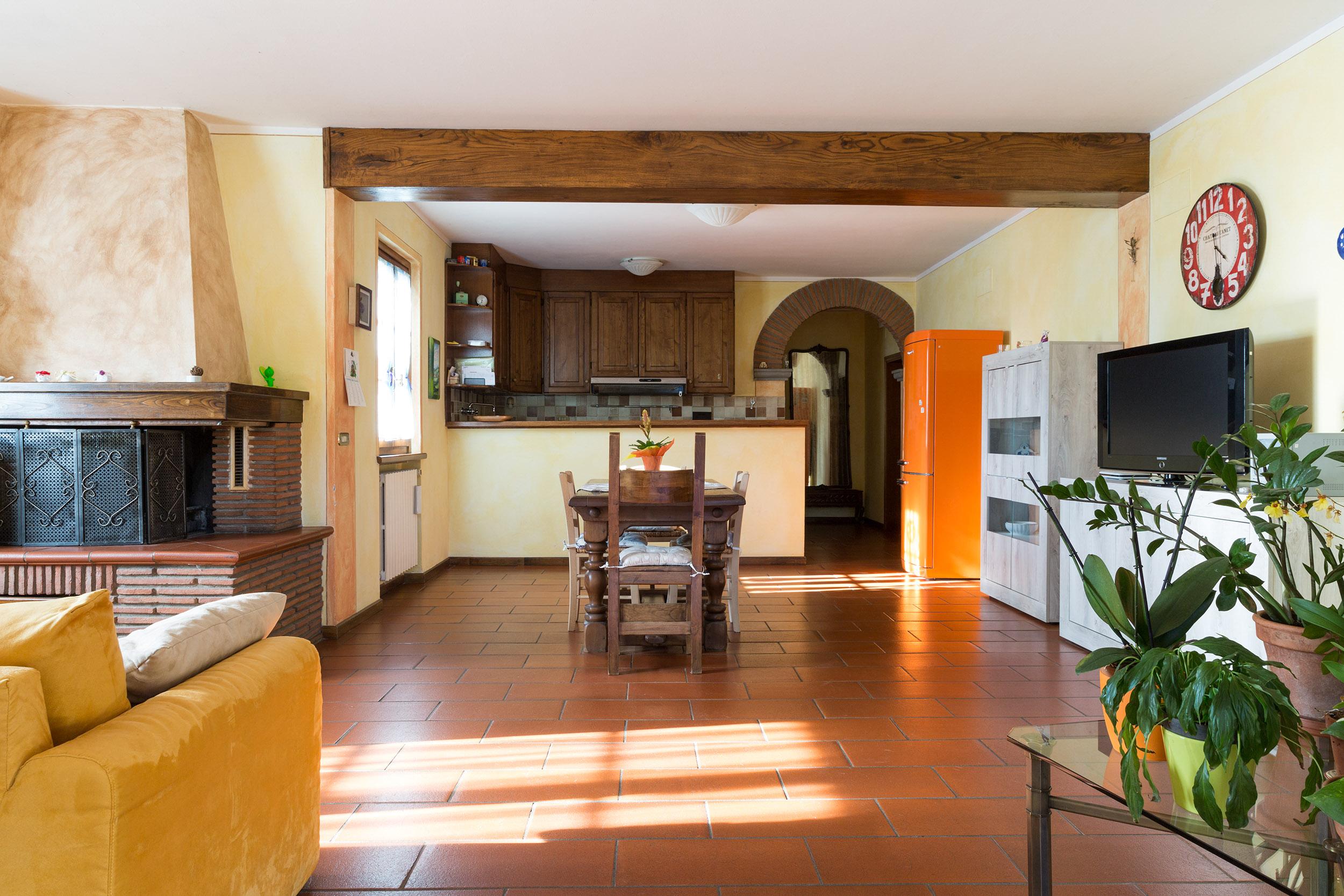 arezzo-vendesi-villa (27)