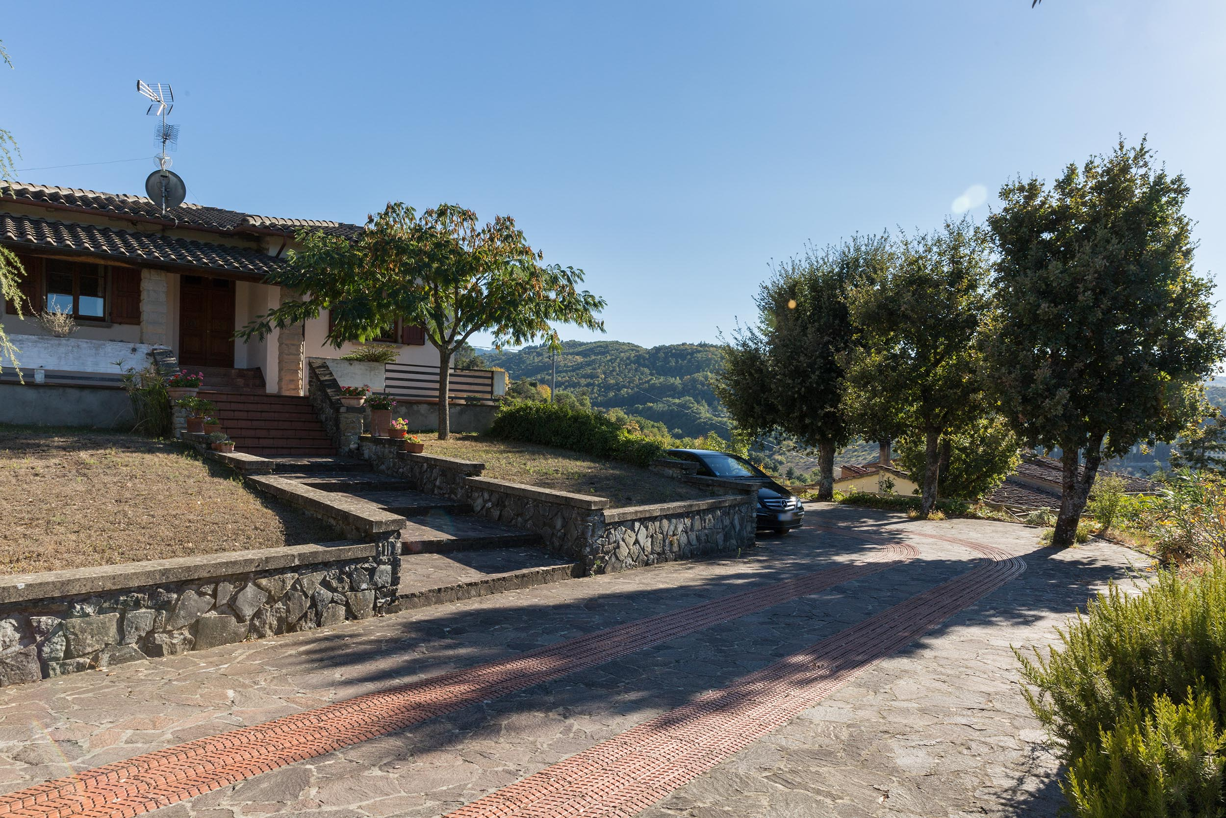 arezzo-vendesi-villa (39)
