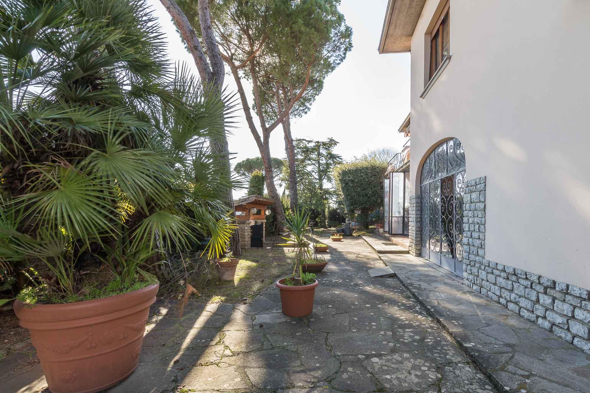 vendesi villa ad Arezzo (10)-3