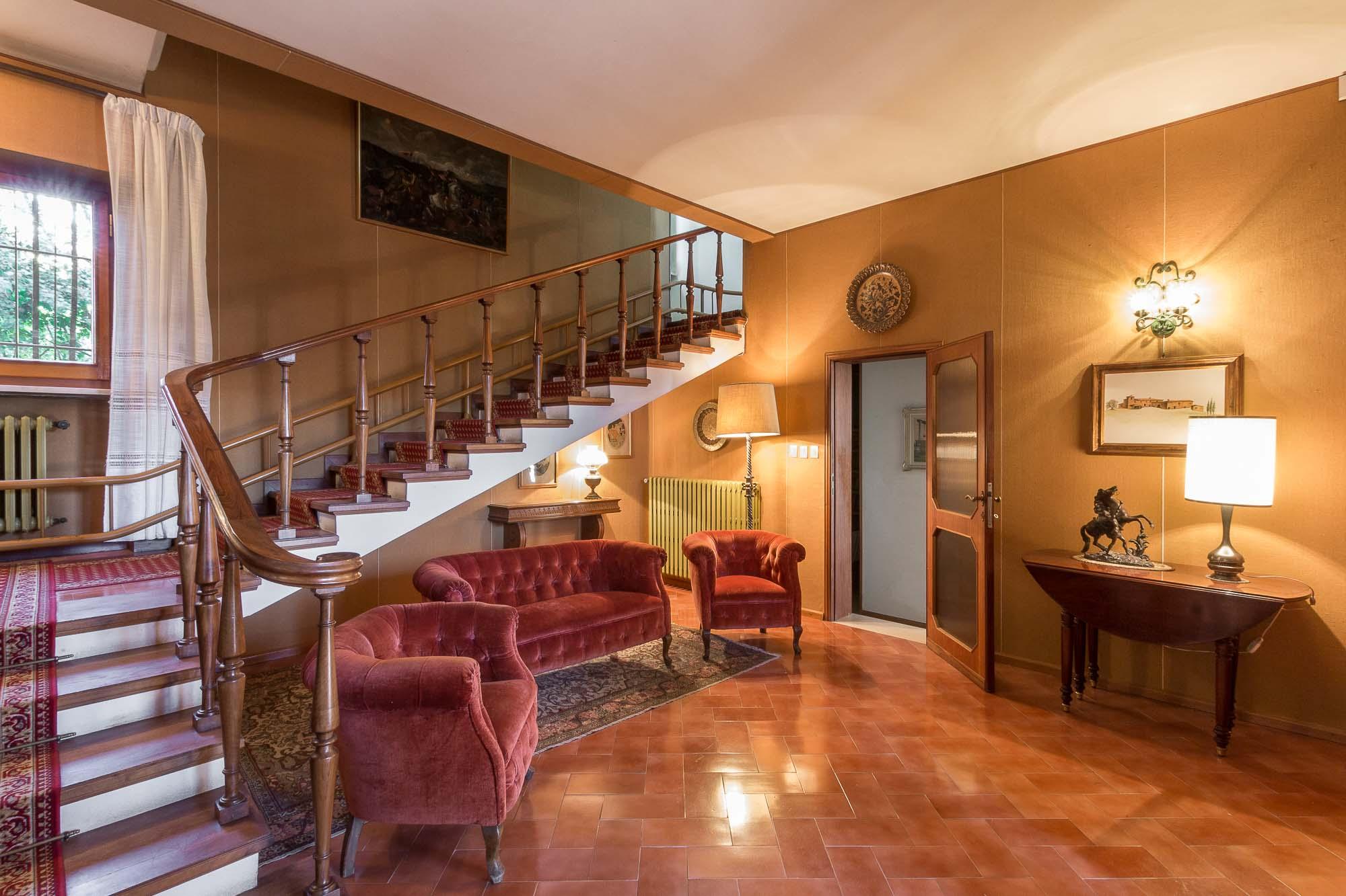 vendesi villa ad Arezzo (13)-3