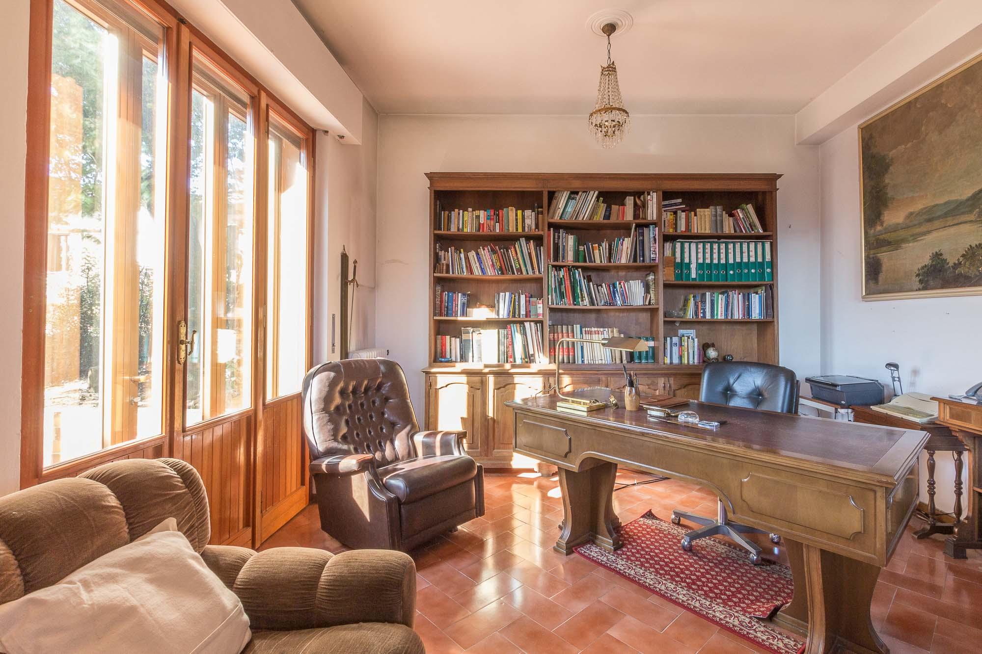 vendesi villa ad Arezzo (15)-3