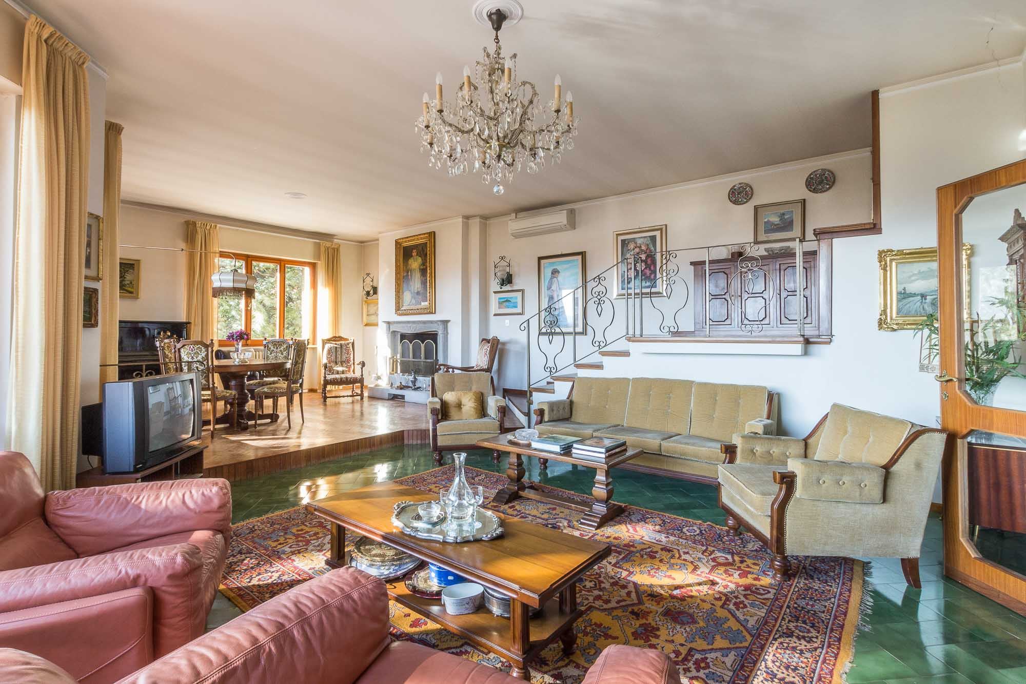 vendesi villa ad Arezzo (18)-3