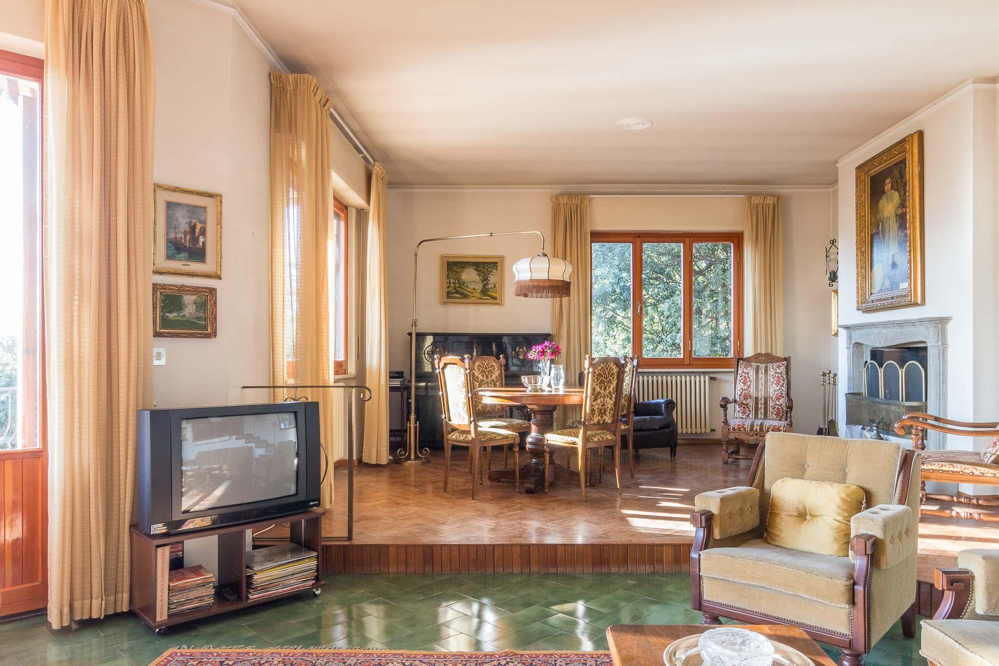 vendesi villa ad Arezzo (19)-3