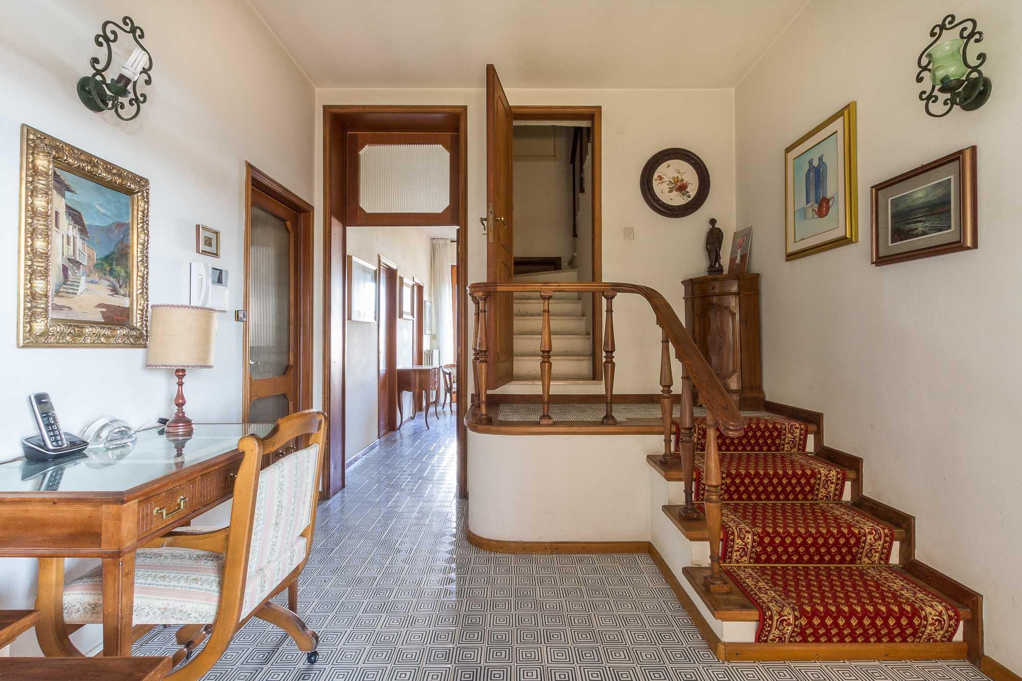 vendesi villa ad Arezzo (21)-3