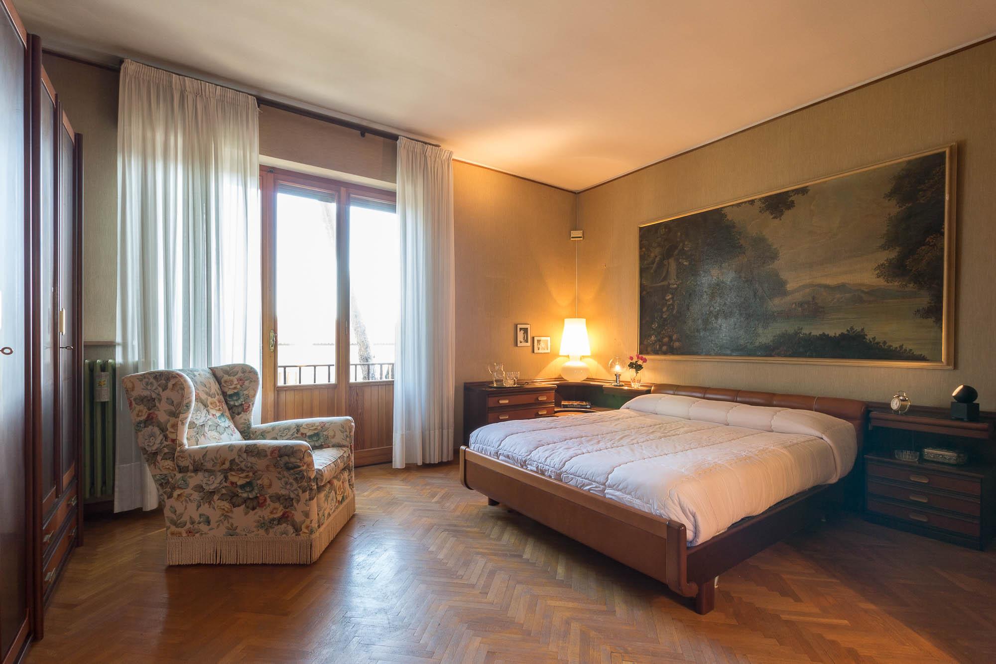vendesi villa ad Arezzo (28)-3