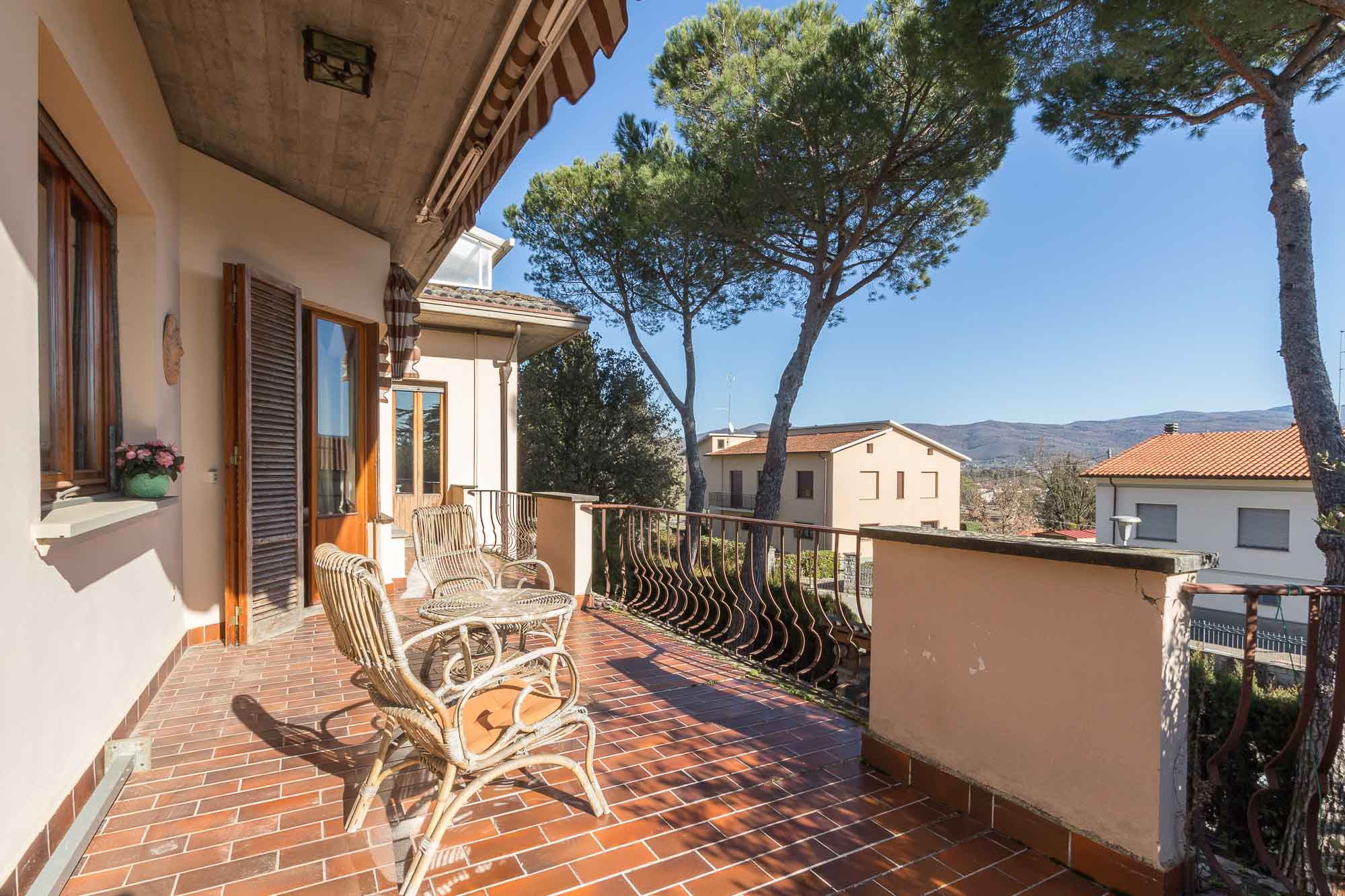 vendesi villa ad Arezzo (32)-3