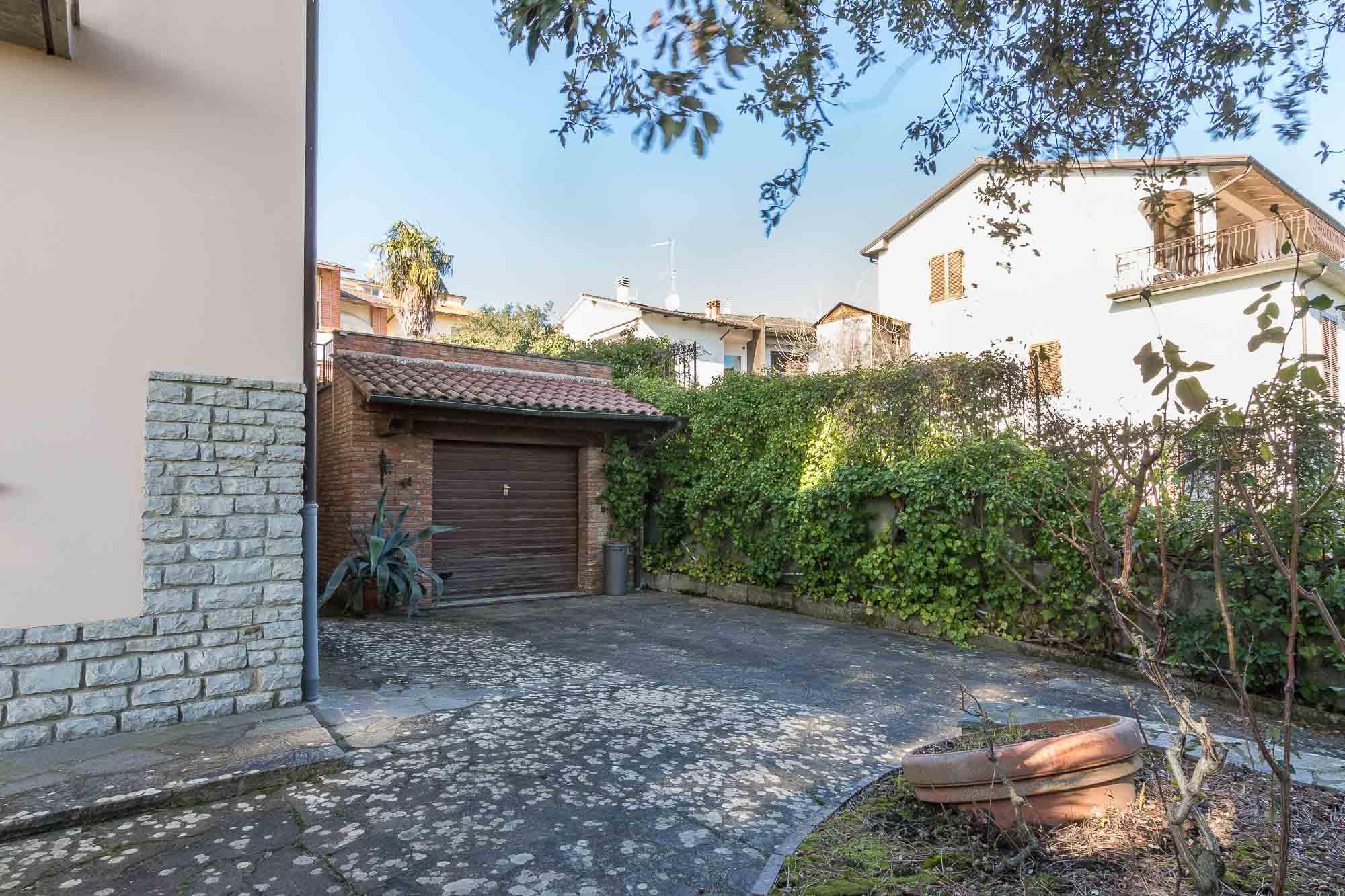 vendesi villa ad Arezzo (9)-3